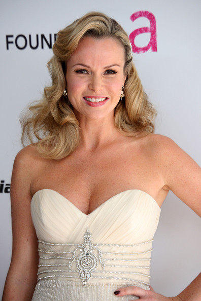 More Pics of Amanda Holden Retro Hairstyle (3 of 7) - Amanda Holden Lookbook - StyleBistro