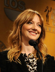 Judy Greer wore her hair in bouncy waves at the 18th Annual Screen Actors Guild Award nominations.