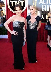 Jane Krakowski posed in a dramatic black gown with Tina Fey on the SAG Awards red carpet.