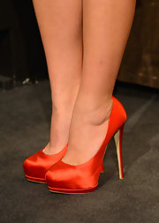 Busy Philipps posed for photos at the 2012 Screen Actors' Guild Nominations in a pair of red satin pumps.