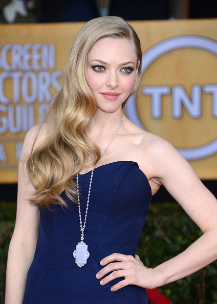 More Pics of Amanda Seyfried Long Curls (11 of 13) - Long Hairstyles Lookbook - StyleBistro