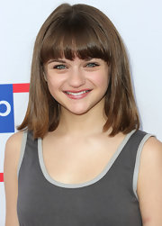 Joey King kept her look youthful with a shoulder-length cut and blunt bangs at the Children Mending Hearts Style Sunday.