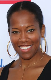 Regina King kept it sleek and stylish with this classic bun at the Children Mending Hearts event.