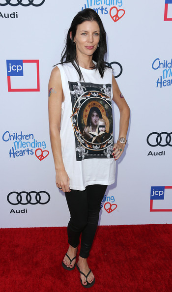 More Pics of Liberty Ross Medium Layered Cut (1 of 3) - Liberty Ross Lookbook - StyleBistro