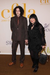 Anna Sui Jack White 2009 CFDA Fashion Awards - Arrivals