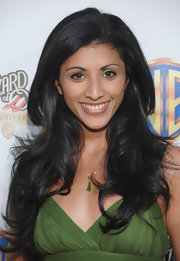 Reshma Shetty looked divine at the anniversary celebration of 'The Wizard of Oz' with her hair in a romantic wavy style.