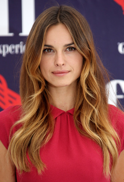 Kasia Smutniak looked lovely with her center-parted wavy 'do at the Giffoni Film Festival.