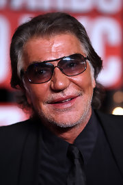 Roberto Cavalli paired his all black suit with dark shades while hitting the 2009 MTV Music Awards.