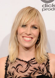 Natasha Bedingfield attended the 2012 American Music Awards wearing her blond tresses in straight layers with long bangs.