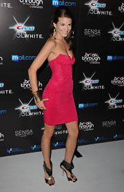 Rachel went bold in a ruched hot pink cocktail dress with statement jewels and eye-catching kicks.