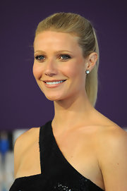 Gwyneth Paltrow chose Fred Leighton's old -European cut diamond drop earrings to complement her stunning Michael Kors gown.