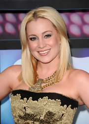 Kellie Pickler showed off her layered blonde cut while hitting the CMT Awards.