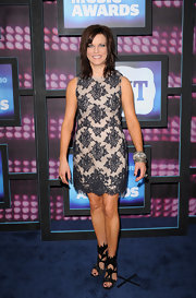 Martina McBride showed off her bangle bracelets while walking the red carpet.