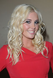 Karissa Shannon topped off her look with a sexy wavy 'do when she attended the 2010 Cedars-Sinai Sports Spectacular.