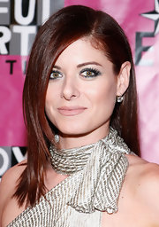 Debra Messing showed off her sleek newly shortened mane. We love her new 'do, which suits her face shape well.