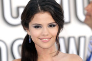 Actress Selena Gomez arrives at the 2010 MTV Video Music Awards at NOKIA Theatre L.A. LIVE on September 12, 2010 in Los Angeles, California.