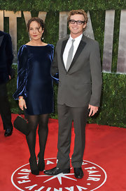 Simon Baker looked handsome in a retro inspired gray suit with black lapels.