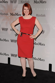 Kate Flannery showed off her figure in a curve-hugging red dress.