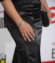 Gloria Estefan wore a stunning diamond bracelet to the Latin Music Awards.