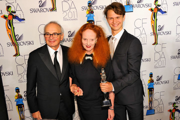 Grace Coddington Arthur Elgort 2011 CFDA Fashion Awards - Winner's Walk