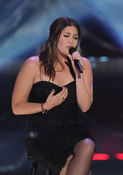 Lady Antebellum's Hillary Scott wore a pair of black onyx chandelier earrings in 18-carat gold at the 2011 CMT Artists of the Year celebration.
