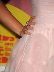 Lauren Alaina walked the red carpet at the 2011 CMT Awards in a New Albion lavender amethyst ring.