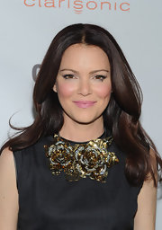 Jacinda Barrett was pretty as a picture with her lovely rosy lips at the 2011 'Glamour' Reel Moments premiere.