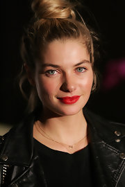 Jessica Hart opted for a ravishing touch for the 2011 Grand Prix Party. Rocking an on trend top knot she amped things up with a vivid red pout.