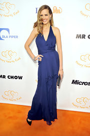 Petra was elegant in a royal blue draped evening gown. She topped off the look with black stilettos.