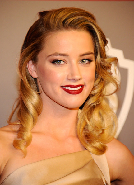 More Pics of Amber Heard Diamond Ring (1 of 5) - Amber Heard Lookbook - StyleBistro