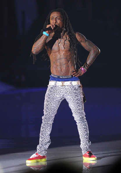 More Pics of Lil Wayne Skinny Pants (5 of 19) - Lil Wayne Lookbook - StyleBistro [performance,entertainment,performing arts,music artist,singing,stage,music,talent show,event,singer,lil wayne,2011 mtv video music awards,california,los angeles,nokia theatre l.a. live,show]