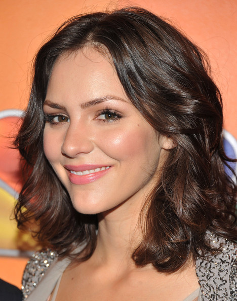 More Pics of Katharine McPhee Medium Curls (1 of 4) - Katharine McPhee Lookbook - StyleBistro