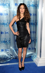 Maggie Q looked fierce at the People's Choice Awards in black pointy toe platforms.