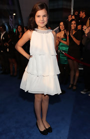 Child star Bailee Madison arrived at the People's Choice Awards wearing a simple ruffle dress.
