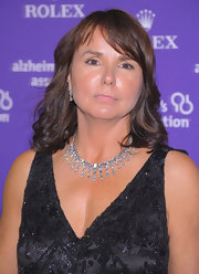 Patty Smyth wore her hair in a simple wavy style with bangs for the Rita Hayworth Gala.