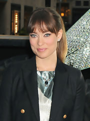 Olivia Wilde wore her hair in a simple, stylish ponytail at the Rockefeller Center Christmas Tree Unveiling.