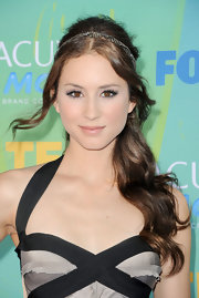 Troian Bellisario looked divine at the 2011 Teen Choice Awards with this half-up half-down wavy 'do complete with bejeweled headband.