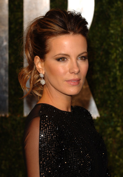 Kate+Beckinsale in 2011 Vanity Fair Oscar Party Hosted By Graydon Carter - Arrivals