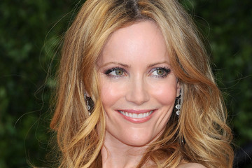 Leslie Mann Strikes a Pose in Burgundy at the Vanity Fair Oscars Party