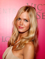 Erin Heatherton wore soft pink lipstick at the 2011 Victoria's Secret Fashion Show after party.