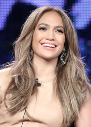 J.Lo dazzled onstage at 'American Idol' in 18-karat gold Champagne diamond earrings. The baubles retail for $32,000.