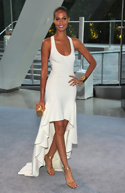 Check out this minimal fishtail gown Joan flaunted at the CFDA Awards.