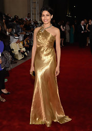 Freida was the golden girl at the Dubai Film Festival in this gorgeous satin gown.