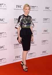 Cate never fails us on the red carpet! We loved this artistic print dress she wore to the Dubai International Film Festival.