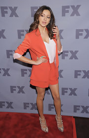 Noureen DeWulf arrived at the 2012 FX Ad Sales Upfront event wearing a pair of snakeskin pumps with decorative straps.
