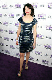 Illeana Douglas wore this cap-sleeve polka-dot number to the Independent Spirit Awards.