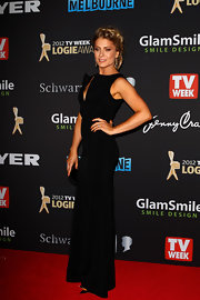Natalie Bassingthwaighte stepped out at the 2012 Logie Awards wearing a floor-length gown.