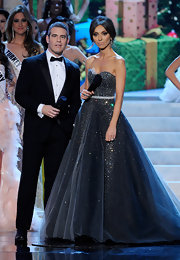 Giuliana was a vision on stage at the Miss Universe Pageant in this strapless tulle confection fit for a princess.