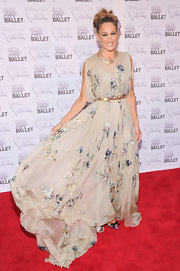 SJP loves swirly romantic dresses like this beautiful embroidered number.