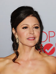 Jane Leeves attended the 2012 People's Choice Awards wearing a pair of 18-carat yellow gold and diamond leaf motif earrings containing over 600 diamonds.